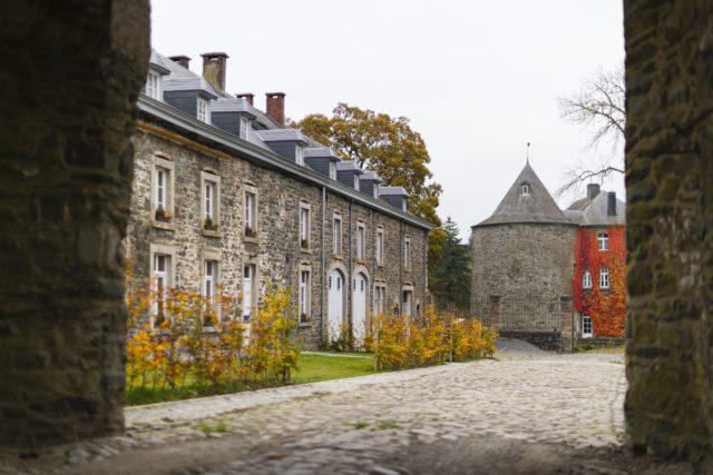 vue-sur-ferme-et-chateau_bis